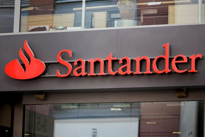 "Santander backs Milton Keynes ""data science uni"""