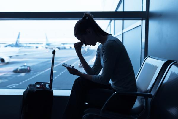 Connecting flight passengers and airlines to avoid denied boarding