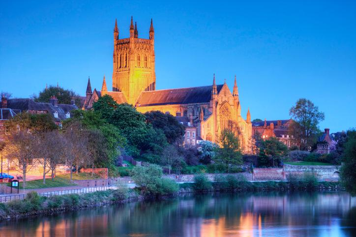 Worcestershire cathedral River Severn.jpg