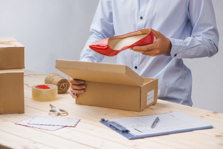 Shoes packing delivery.jpg